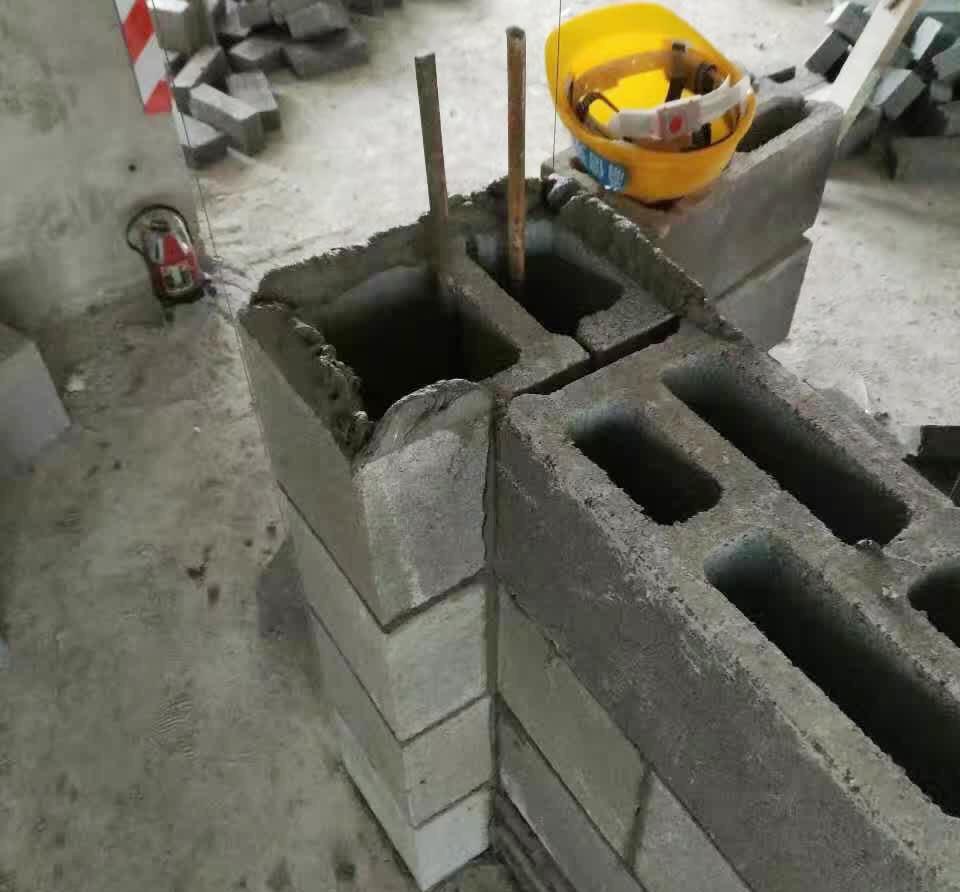 混凝土连锁空心砌块(构造柱免关模拆模)